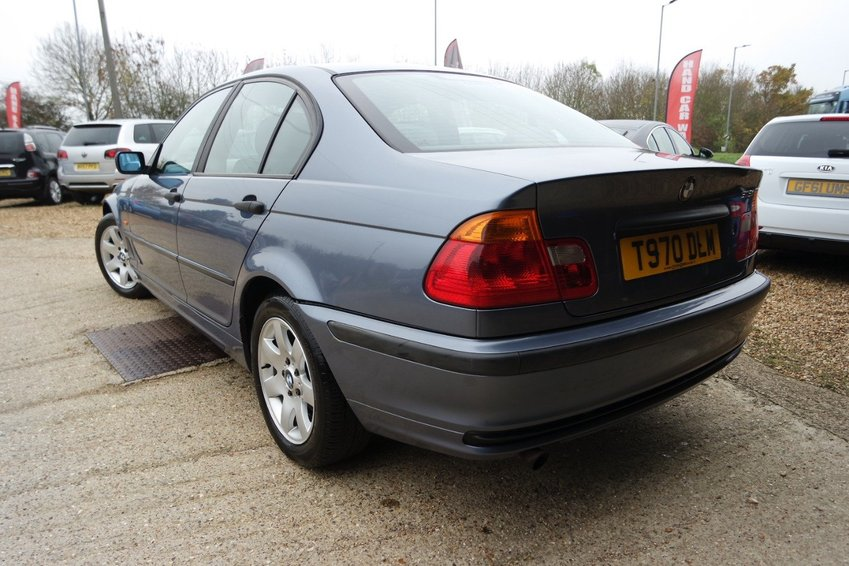 View BMW 3 SERIES 318I SE AUTOMATIC