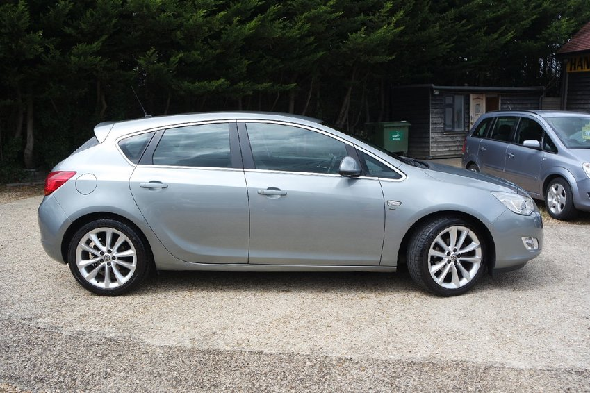 View VAUXHALL ASTRA 1.6 VVT SE